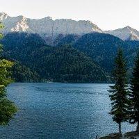 озеро Рица :: Дмитрий Сиялов