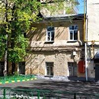 Дом , в котором жил ...второй этаж...:) :: Анатолий Колосов
