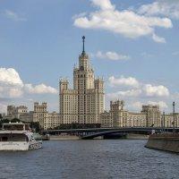 Взгляд на Москву с воды. :: Анатолий. Chesnavik.
