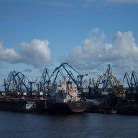В порту :: Alena Cyargeenka