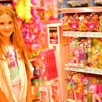 В магазине игрушек :: Натали Пам