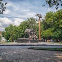 Старо-Базарный сквер летним воскресеньем. :: Вахтанг Хантадзе