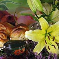 Нас утро встречает чаем с душицей и ароматом лилейным.. :: Андрей Заломленков