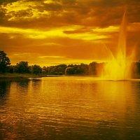 Фонтан на закате. :: Gene Brumer