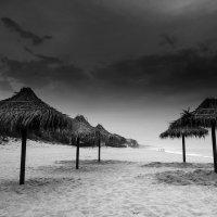 Пляж в 5 утра. Пока совершенно безлюдный :: Виктория Бондаренко