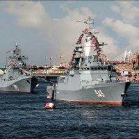 Корабли ВМФ на Неве :: Валентин Яруллин