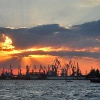 Закат на море. :: Наталья