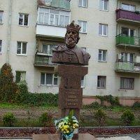 Памятник   королю   Даниилу   Галицкому   в   Ивано - Франковске :: Андрей  Васильевич Коляскин