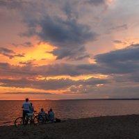 закат на финском заливе :: юрий затонов