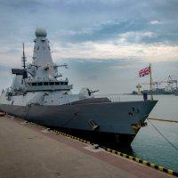 эсминец Королевских ВМС Великобритании Dunkan и фрегат ВМС Турции Yildirim :: Геннадий Беляков