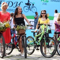Леди на велосипеде, Кемерово :: MoskalenkoYP .