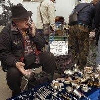 Блошиный рынок. Неповторимый шарм старинных вещей. :: Алексей Окунеев