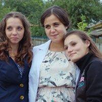 Три подружки под окном :: Vladymyr Nastevych