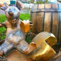 Мышь и сыр)) :: Юрий Николаев