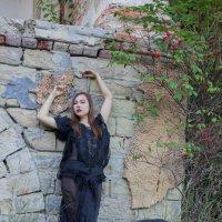 Девушка в чёрном платье :: Роман Мишур