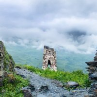 Трехсотлетний страж гор... :: Олег Стасенко