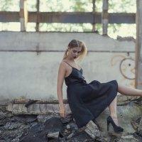 На развалинах :: Женя Рыжов