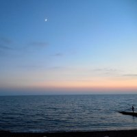 Такая малюсенькая луна... :: Мила