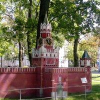 Гомель-в парке знакомят с архитектурой разных стран :: yuri Zaitsev
