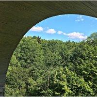 В арке моста. :: Валерия Комова
