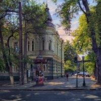 Из жизни одесских улиц,- утро на углу Троицкой и Екатерининской. :: Вахтанг Хантадзе