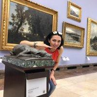 «Экспонаты руками не трогать» — самая частая фраза... :: Galina Belugina