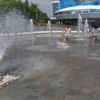Укротитель фонтанов :: Геннадий Яременко
