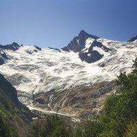 гора Эрцог (3863 м). Ледник Алибекский. :: Леонид Сергиенко