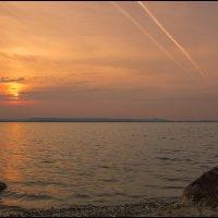 Апрельский вечер на водохранилище 2015 :: Юрий Клишин