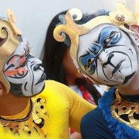 Фольклорный танец индонезийских танцоров. :: Николай Кондаков