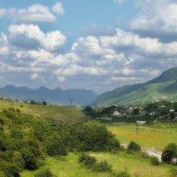 Маленькое село где то в ущелье :: M Marikfoto