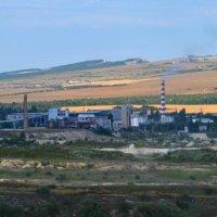 Цементный завод в Бахчисарае :: Роберт Гресь
