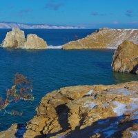 Берег острова Ольхон :: Анатолий Иргл