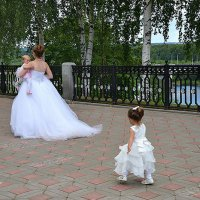 Парад невест. Фотосессия окончена :: Борис Гуревич