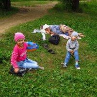 Пока спит бабушка можно поболтать с незнакомым дядей :: Андрей Лукьянов