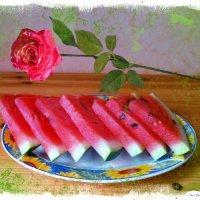 Арбуз и роза :: Nina Yudicheva