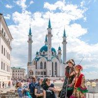 Туристы :: Александр Силинский