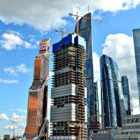 «Москва-Сити» из автомобиля. :: Михаил Столяров