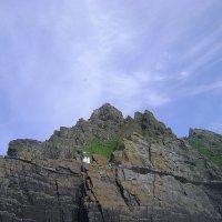 Маяк на острове Большой Скеллиг :: Марина Домосилецкая