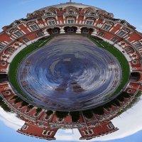 Закольцованный дворец ... :: Лариса Корженевская