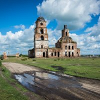 Старый храм :: Игорь Учаров