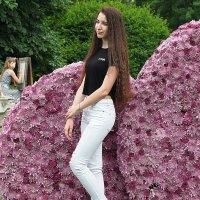 цветочек среди цветов :: Олег Лукьянов