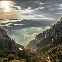 Рассвет, гора Монсерат :: Андрей Бондаренко