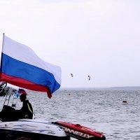 День Российского Флага. :: Наталья Золотых-Сибирская