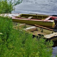 Лодки ждут рыбаков... :: Sergey Gordoff