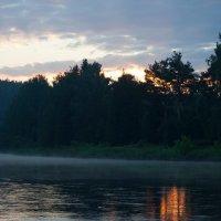 «Рассвет над рекой» :: Александр Гладких