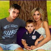 Папа + мама + Я =  крепкая и дружная семья. :: Anatol Livtsov