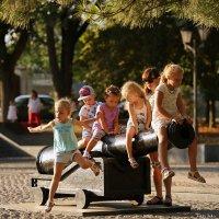 Детство - это маленькая жизнь :: Анатолий Шулков