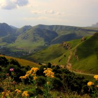 Рыжий август на перевале Гум Баши. Верхняя Мара. Гора Кёкле-Кая (Синяя скала) :: Vladimir 070549