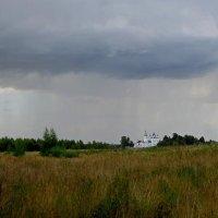 И вновь дожди на горизонте. :: Михаил Попов